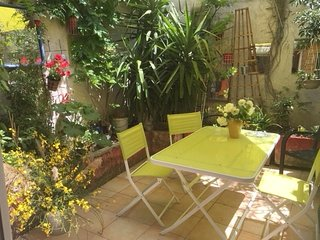 Cozy house in the center of Avignon with Internet, Washing machine, Air conditio