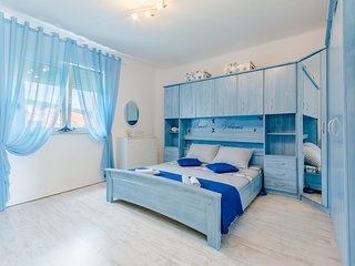 Cosy studio in the center of Split with Internet, Washing machine, Air condition