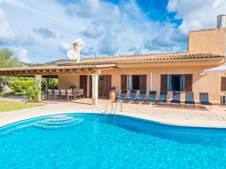 Spacious villa in Pollença with Parking, Internet, Washing machine, Air conditio