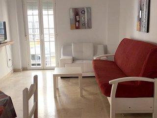Spacious apartment a short walk away (209 m) from the 'Playa de Santa Amalia' in