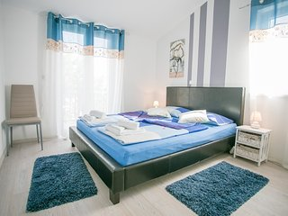 Cozy apartment in the center of Kukci with Parking, Internet, Air conditioning,