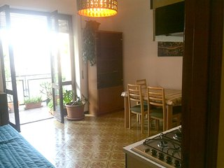 Spacious apartment in the center of Catania with Parking, Internet, Washing mach