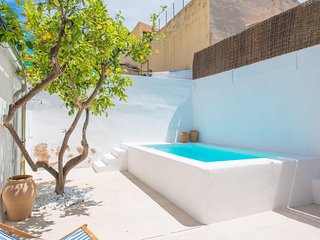 Spacious villa in Alaro with Internet, Washing machine, Air conditioning, Pool