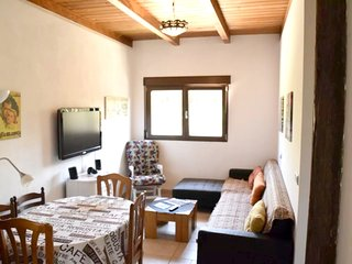 Spacious apartment in Purchil with Parking, Internet, Washing machine, Air condi
