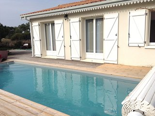 Cozy house in Vensac with Parking, Internet, Washing machine, Pool