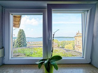Cozy apartment very close to the centre of Pula with Internet, Air conditioning