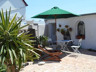 Cozy house in Batz-sur-Mer with Parking, Internet, Washing machine, Terrace