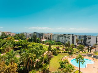 Spacious apartment in Funchal with Lift, Internet, Washing machine, Pool