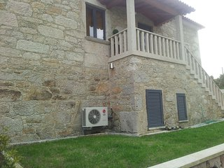 Cozy house in the center of Vila de Punhe with Parking, Washing machine, Air con