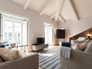 Spacious apartment in the center of Lisbon with Lift, Internet