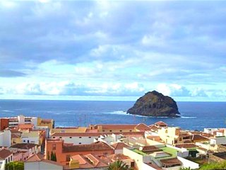 Spacious house in the center of Garachico with Parking, Internet, Washing machin
