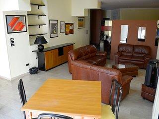 Spacious apartment in Reggio Calabria with Parking, Washing machine, Air conditi