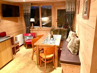 Cozy apartment in Morzine with Lift, Internet