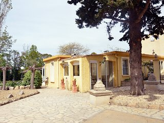 Cozy house in Beziers with Parking, Internet, Washing machine, Air conditioning