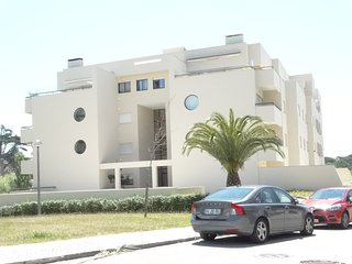 Spacious apartment close to the center of Buarcos with Lift, Parking, Washing ma