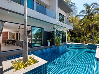 Twin Villas Seaview Kata One