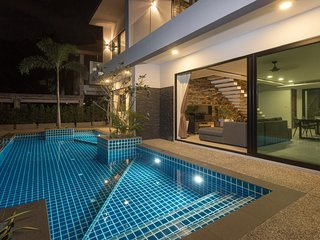 Twin Villas Seaview Kata Two