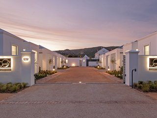 Perla is a new exclusive security complex of five luxury self-catering units.