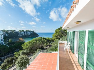 Miramar L, Apartment with sea view and private swimming pool in Cala Galdana