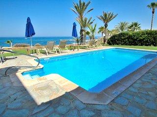Luxury Seafront Villa Coralina in Kissonerga