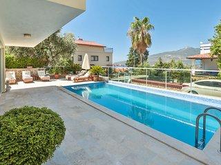 Babylon: Stunning views, Pool, A/C, Roof Terrace