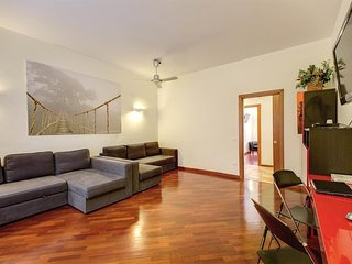 Spacious apartment in Rome with Lift, Internet, Washing machine, Air conditionin