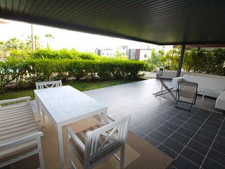 Stylish 2 BR Apartment with Large Patio