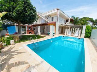 Cozy villa in Specchiolla with Parking, Washing machine, Air conditioning, Pool
