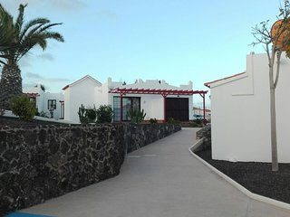 Cozy bungalow in the center of Castillo Caleta de Fuste with Parking, Washing ma