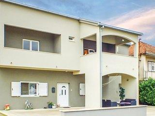 3 bedroom Apartment in Dukati, Croatia - 5620540