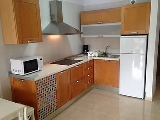 New apartment, pool, beach, terrace and parking!