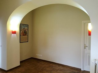 Spacious apartment in Rome with Lift, Parking, Internet, Washing machine