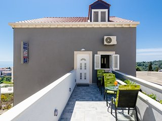 Guest House Nikolina - Double Room with Balcony and Sea View(4)