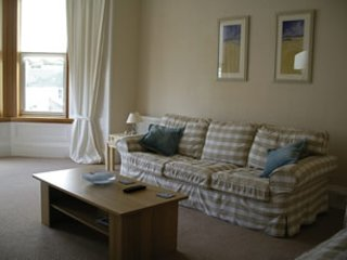 Spacious 2 bedroom apartment in North Berwick just across from the beach
