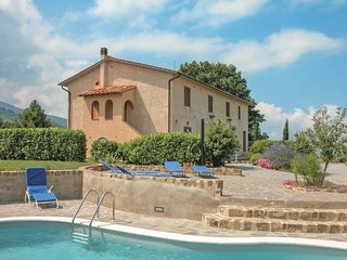 2 bedroom Apartment in Trefonti, Tuscany, Italy : ref 5523523