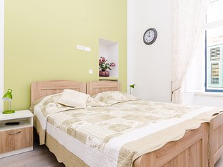 Rooms Tezoro- Double or Twin Room with City View (S2) - B5