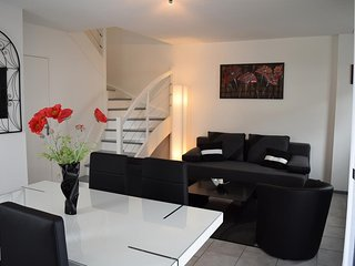 Spacious apartment close to the center of Vannes with Parking, Internet, Washing
