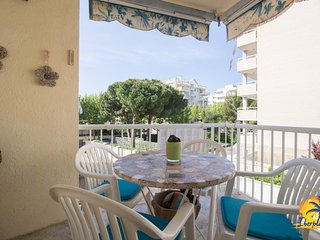 Spacious apartment a short walk away (297 m) from the 'Playa Levante' in Salou w