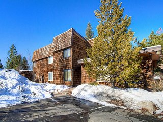 Cozy Condo Just Steps from Lake Tahoe w/ Community Pools, Beach Access and More!