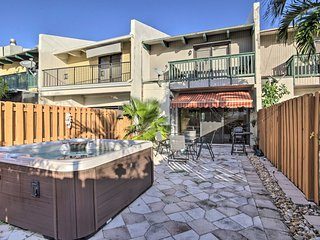 NEW-Lauderdale-by-the-Sea Home w/Hot Tub by Beach!
