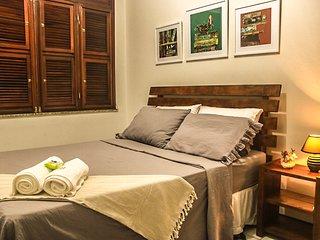Confortável quarto em casa no Benfica próx ao Centro. wifi e ar condic