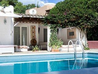 Casa con encanto en urbanizacion privada con vigilancia 24 horas