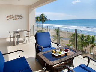 Ocean View 2BR Apartment Diamante del sol 602S