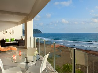 Deluxe Sea view 4BR apartment at  Diamante del sol 901S