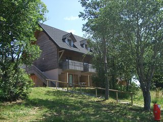 1 bedroom Apartment in Super Besse, Auvergne-Rhone-Alpes, France : ref 5537363
