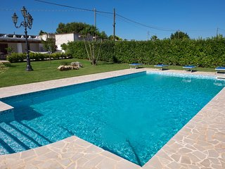 Cozy villa close to the center of San Vito dei Normanni with Parking, Internet,