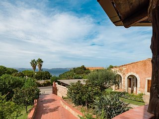 Seaview independent villa for 6/8 pax in Baia Sardinia - 500 mts from the beach