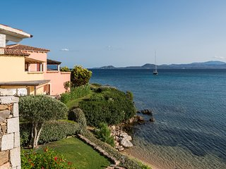S'abba e sa pedra - Stunning sea view apartment ON THE SEA