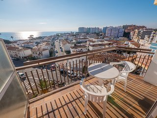 Cozy apartment a short walk away (210 m) from the 'Playa de S'Abanell' in Blanes