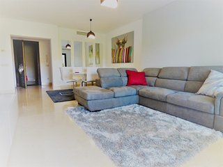 Capanes Luxury Holiday Rental - Spacious terrace 2 bedroom apartment